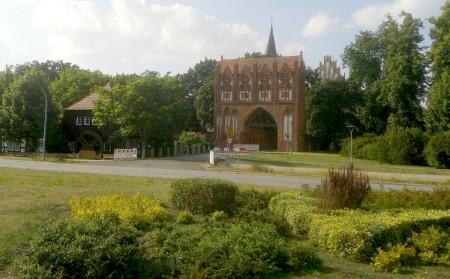 Neubrandenburg Tor mit Mühle